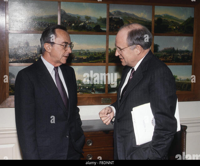 Arlington, Virginia., USA, Febuary, 1991 Israeli Defense Minister Moshe Arens photo Op with Secretary of Defense - Stock Image