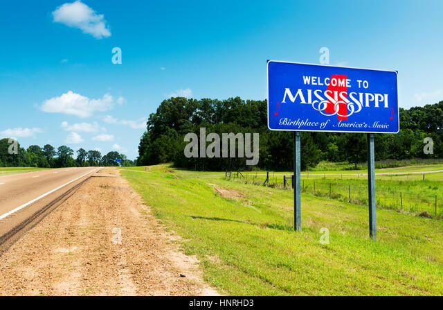 Mississippi State welcome sign along the US Highway 61 in the USA; Concept for travel in America and Road Trip in - Stock-Bilder