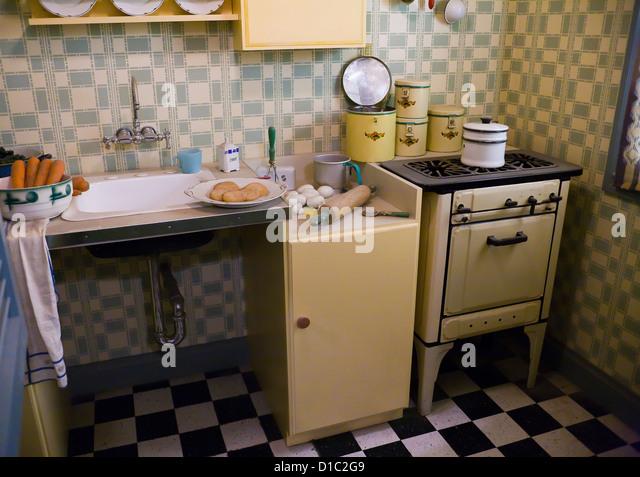 1930's / 1940's kitchen - USA - Stock Image