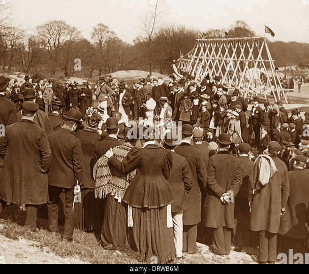 Bank Holiday entertainment on Hampstead Heath London early 1900s - Stock Image