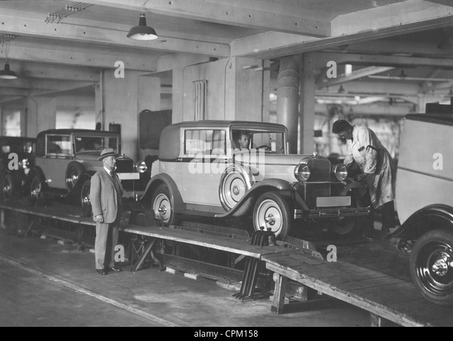 Production of the 10,000th Opel 1.8-liter in Germany, 1928 - Stock Image