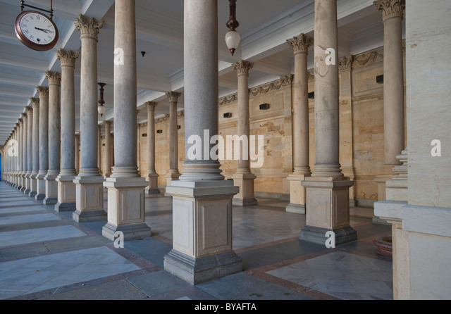 Mill Colonnade, Mlynska Colonnade, Carlsbad, Karlovy Vary, Bohemia, Czech Republic, Europe - Stock-Bilder
