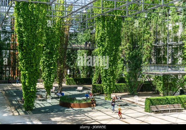 MFO Park, public park of former Maschinenfabrik Oerlikon (MFO) , climbing plants, steel frame,  Zurich, Switzerland - Stock Image