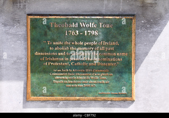 Plaque on the statue of Theobald Wolfe Tone in the main square in Bantry, County Cork, Ireland - Stock Image