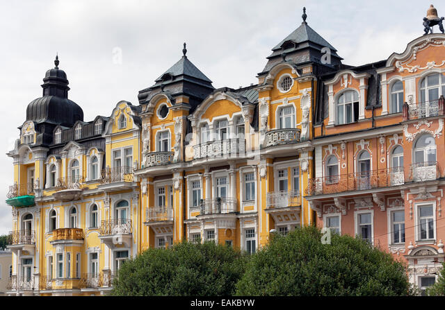Row of houses with Gruenderzeit or the Founder Epoch facades, hotels in the spa district, Mariánské Lázn? - Stock-Bilder
