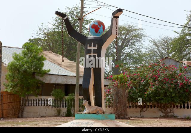 Never Again Slavery Statue, Juffureh Village, the Gambia, West Africa - Stock-Bilder