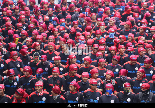 Jakarta, Indonesia. 06th Feb, 2016. The protesters from Indonesian Trade Union Confederation (KSPI) take the streets - Stock Image