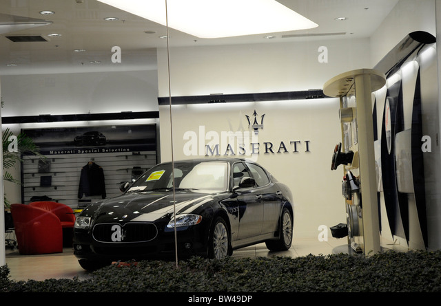 Luxury Cars Dealers Showroom Stock Photos Amp Luxury Cars Dealers Showroom Stock Images Alamy