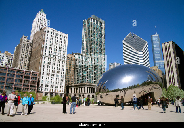 The Cloud Gate public sculpture is the centerpiece of the AT&T Plaza in Millennium Park, Chicago, Illinois. - Stock Image