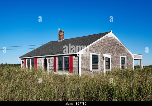 Bungalow america stock photos bungalow america stock for Cape cod bungalow