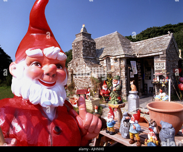 GB - CORNWALL:  Pixie Shop in Tintagel - Stock Image