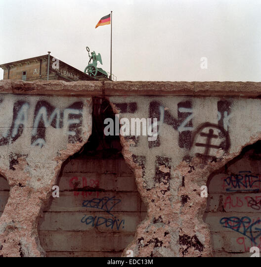 opening of the berlin wall To the outside world, the fall of the berlin wall was the culmination of courageous acts of ordinary people but within the east german regime, the wall's final hours were closer to a comedy of errors.