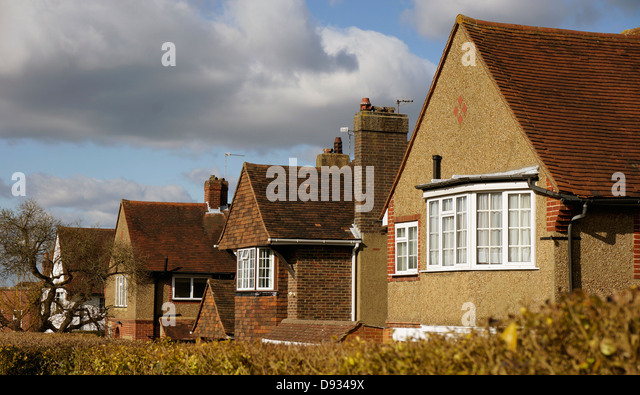 Detached houses uk stock photos detached houses uk stock for 1930s bay window construction