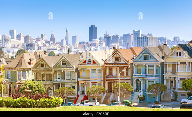 San Francisco skyline with Painted Ladies buildings at Alamo Square, USA. - Stock Image