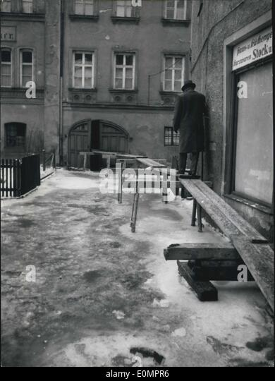 Feb. 06, 1956 - High Water Catastrophe at Vilshofen (Germany).: Last night, the Donau-water was frozen in the streets - Stock Image