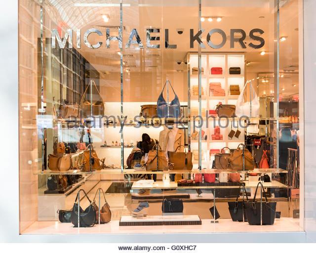 Kors store stock photos kors store stock images alamy for Michael kors rockefeller center