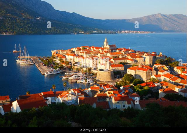 Korcula old town. Peninsula Peljesac in the background. - Stock-Bilder