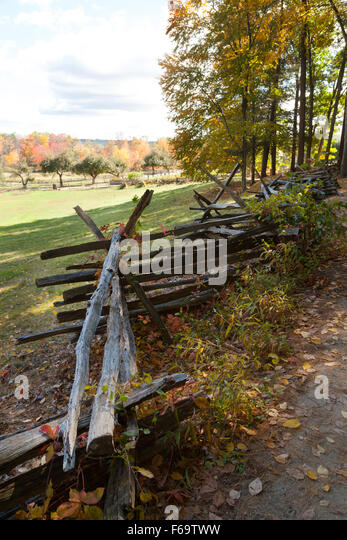 Zigzag fence, a form of wooden fencing dating from the 1800s, Old Sturbridge Village living museum, Massachusetts - Stock Image