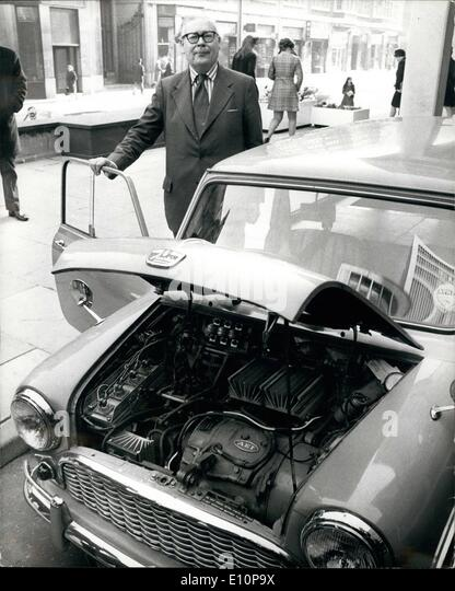 Nov. 11, 1973 - Geoffrey Rippon Tries Out Experimental Electric Mini-Traveller For A Journey To Downing Street: - Stock Image