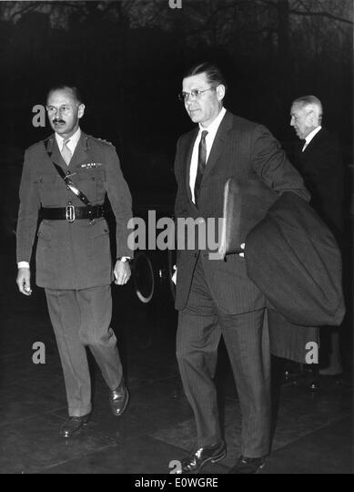 ROBERT MCNAMARA the eighth United States Secretary of Defense (R). - Stock Image