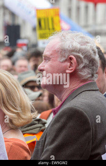 London, UK. 20 June 2015. Sinn Fein politician Martin McGuinness waits to talk in Parliament Square - a 'kill' - Stock Image