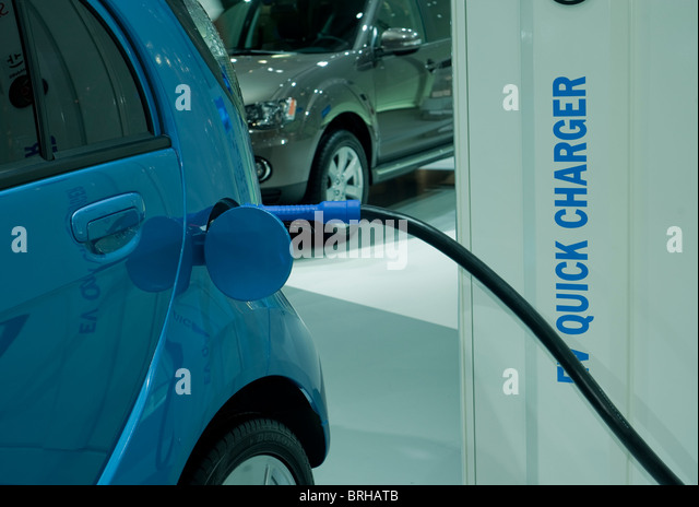 showroom of mitsubishi car stock photos showroom of mitsubishi car stock images alamy. Black Bedroom Furniture Sets. Home Design Ideas