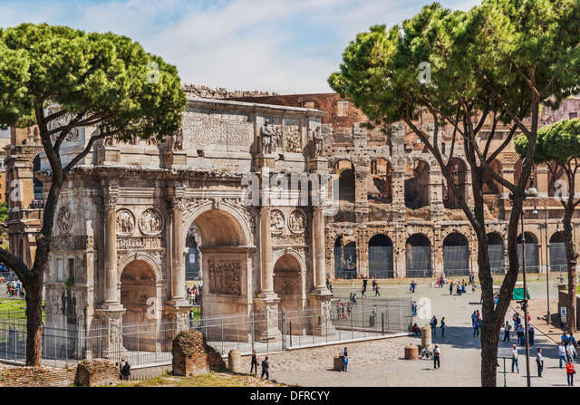 Arch of Constantine (Arco di Costantino) is located in front of the Colosseum. It was built from 312 to 315, Rome, - Stock Image