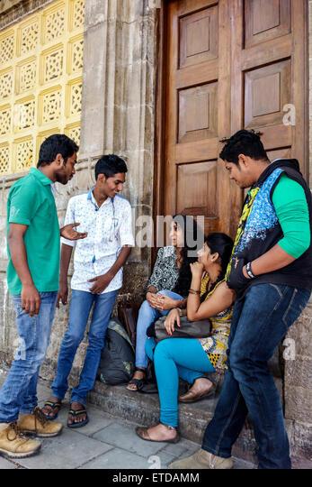 Mumbai India Indian Asian Fort Mumbai Kala Ghoda Elphinstone College University of Mumbai student boy girl man woman - Stock Image
