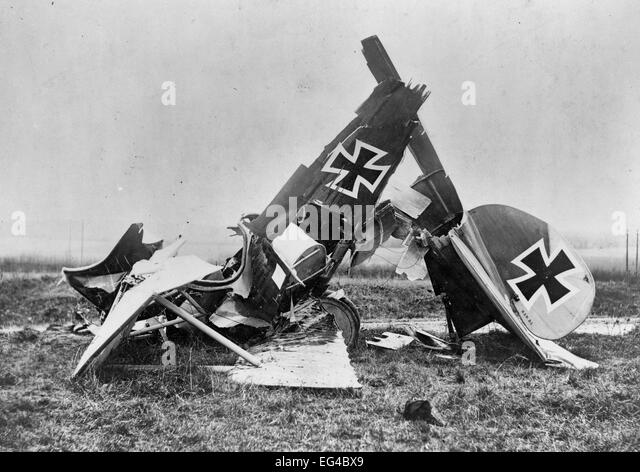 Wreckage of a German Albatross D. III fighter biplane, circa 1917 - Stock Image