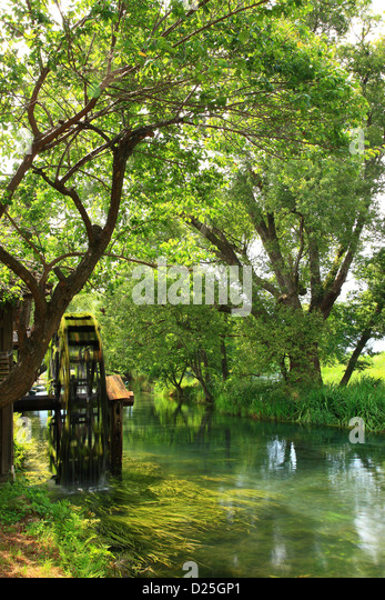 Water Mill Hut Stock Photos & Water Mill Hut Stock Images  Alamy # Wasbak Aarden_203005