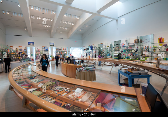 Museum store stock photos museum store stock images alamy for Craft stores in milwaukee