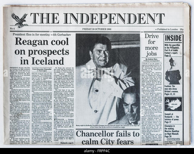 Upper front page Issue #4 'The Independent' UK national newspaper printed Friday 10th October 1986 - 'The - Stock Image