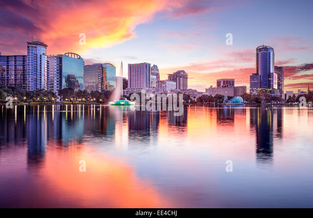 Orlando, Florida, USA downtown city skyline from Eola Park. - Stock Image