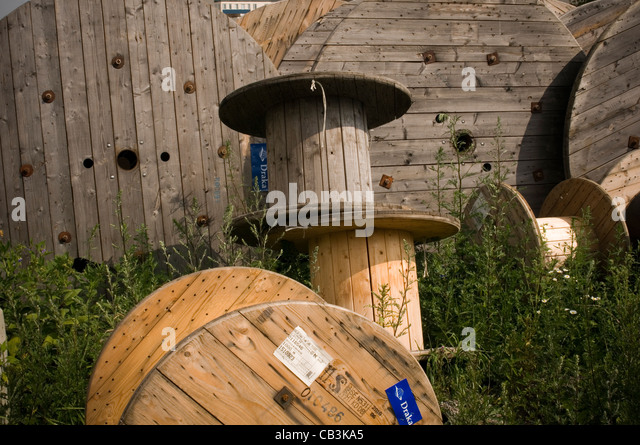 cable drums drum theft thieves - Stock Image