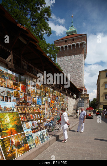 Eastren Europe Poland Malopolska Krakow City Walls Florian Gateway. Oil paintings hanging on wall ready for sale - Stock-Bilder