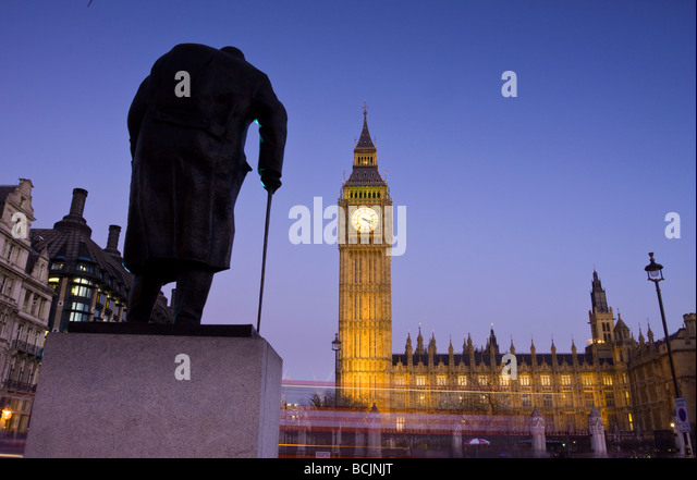 Winston Churchill Statue, Big Ben, Houses of Parliamant, London, England - Stock-Bilder