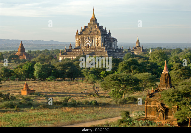 the ancient temple city of Pagan Bagan at Myanmar Burma Birma - Stock-Bilder