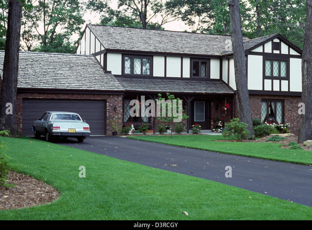 Big american family house from stock photos big american for Big family house