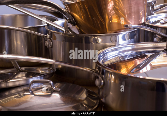 Utensils de cuisine stock photos utensils de cuisine for Art and cuisine pans