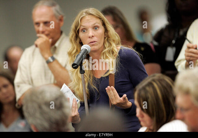 Jul 30, 2009 - West Palm Beach, Florida, U.S. - Residents of The Acreage and other concerned citizens meet with - Stock-Bilder