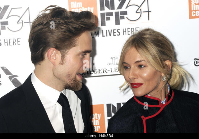 New York City. 15th Oct, 2016. Robert Pattinson and Sienna Miller attend 'The Lost City of Z' Closing Night - Stock-Bilder