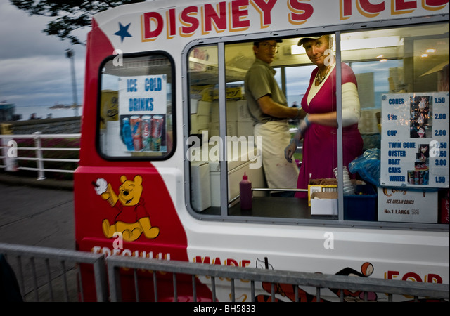 Disneys Ice Cream Van at Dun Laoghaire festival of World Cultures - Stock-Bilder