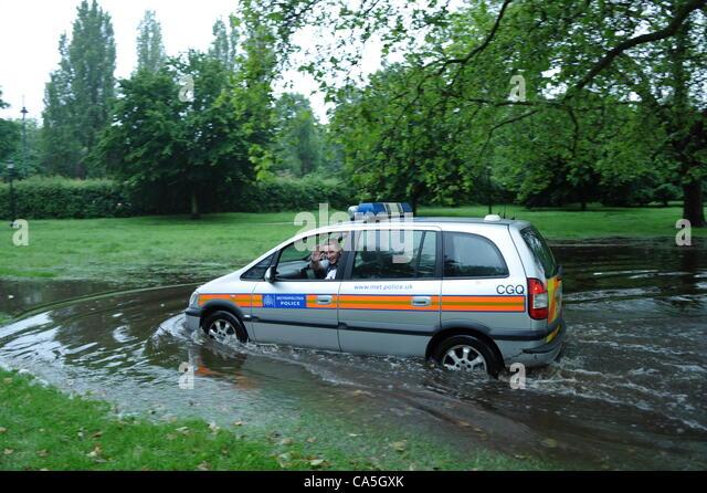 Policeman Car London Stock Photos Amp Policeman Car London Stock Images Alamy
