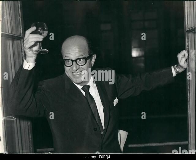 Jun. 06, 1959 - Press Reception for ''Sgt. Bilko'' in London. A Press reception was held this evening, - Stock Image