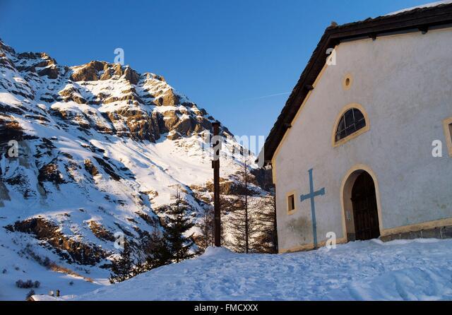 France, Savoie, Maurienne Valley, Bessans (1750 m), St Jean Baptiste church - Stock Image