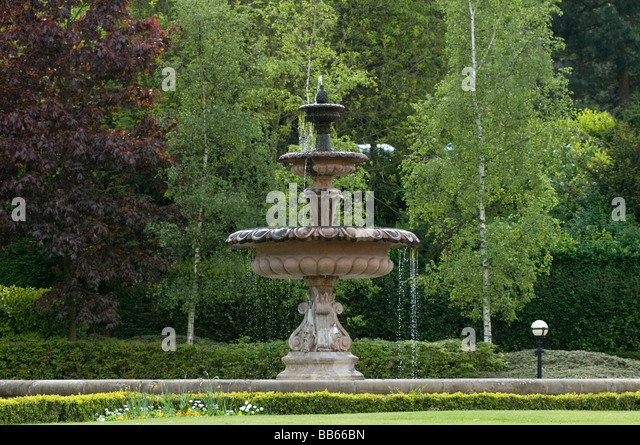 Ornamental fountain stock photos ornamental fountain for Ornamental garden features