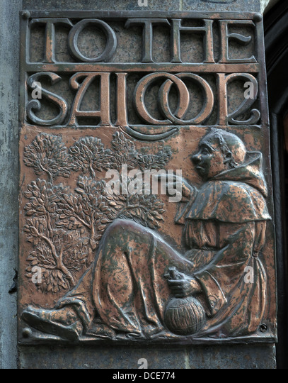 To The saloon copper plate engraving, outside the historic Black Friar pub , Blackfriars London England UK - Stock Image