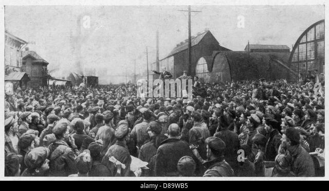 Lenin And Workers - Stock-Bilder