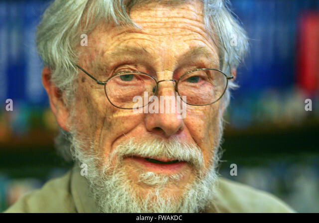 gary snider the american poet Gary snyder (born may 8, 1930) is an american poet (originally, often associated with the beat generation), essayist, lecturer, and environmental activist.