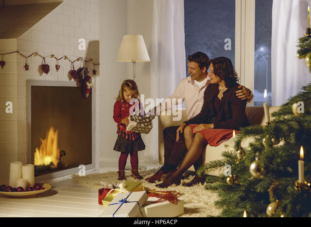weihnachten familie stock photos weihnachten familie. Black Bedroom Furniture Sets. Home Design Ideas